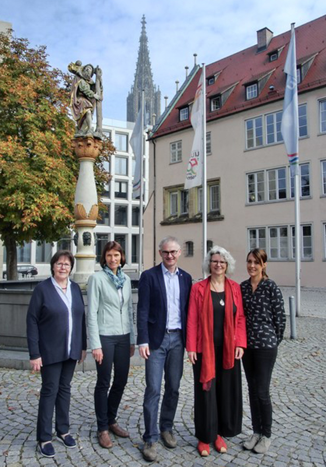Bild:Das Team der keb-Geschäftsstelle Ulm (von links): Marianne Rudhard, Monika Riedel, Dr. Oliver Schütz, Martina Wallisch, Simone Kast